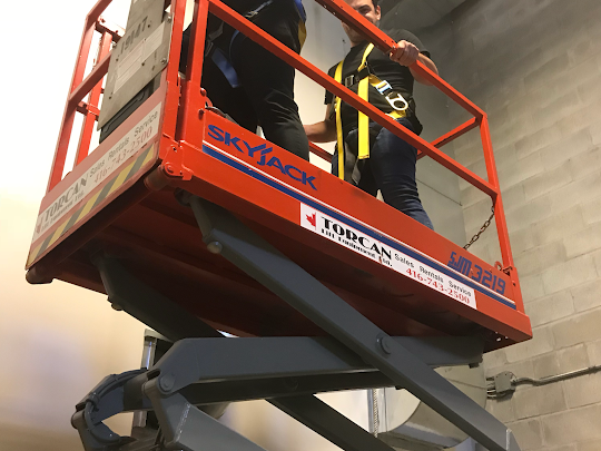 Scissor Lift and Boom Lift Training Available in Vaughan, Concord, Woodbridge, Markham, Richmond Hill, Brampton, Mississauga, Scarborough and Toronto